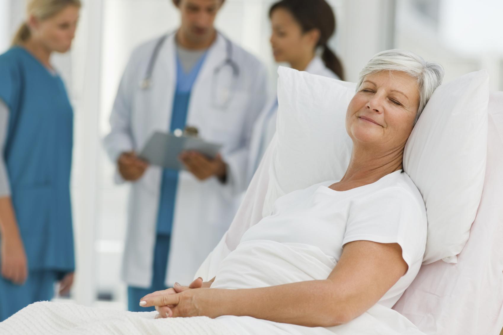 Безопасное лекарство для женщин в менопаузе — пластырь с гормонами