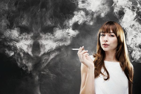 Курение — верный путь к раннему климаксу