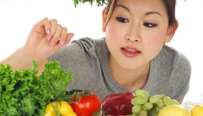Правильное питание способно решить проблему ПМС
