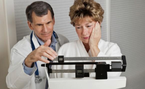 Во время менопаузы диета не убавит лишних килограммов, а нанесет только вред