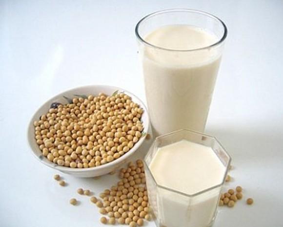 Соевое молоко помогает женщинам в период менопаузы