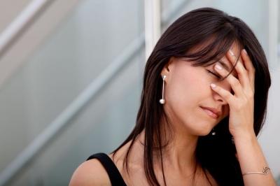 При наличии признаков гормонального дисбаланса необходимо обращаться к врачу