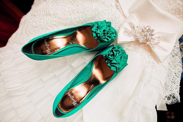 Яркие туфли для свадьбы