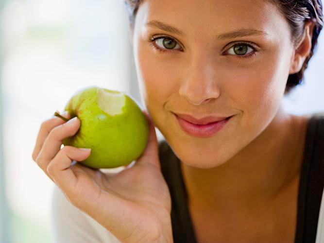 Яблочная маска для свежести и упругости кожи
