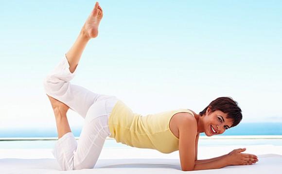 При климаксе хорошо помогает йога