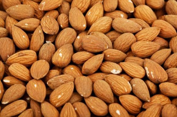 Миндаль поможет и холестерин снизить, и либидо повысить