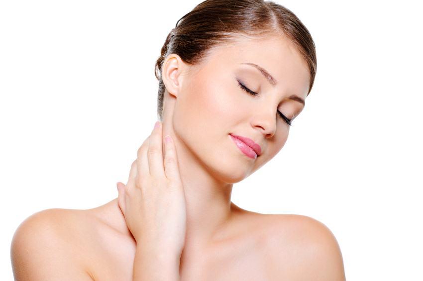 Как ухаживать за шеей и областью декольте