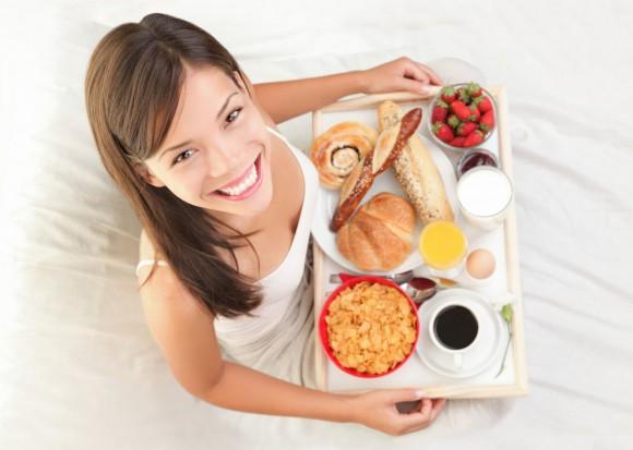 Сытный завтрак спасет от бесплодия