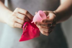 Качество интимной жизни повышается при использовании менструальных чаш