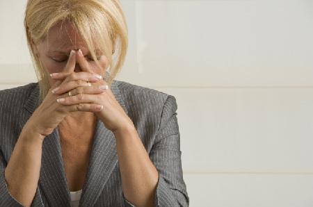 Как пережить климакс без гормональных бурь