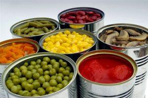 Эксперты: консервы могут привести к гормональному сбою