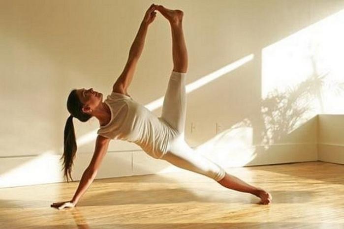 Йога помогает улучшить сексуальные отношения