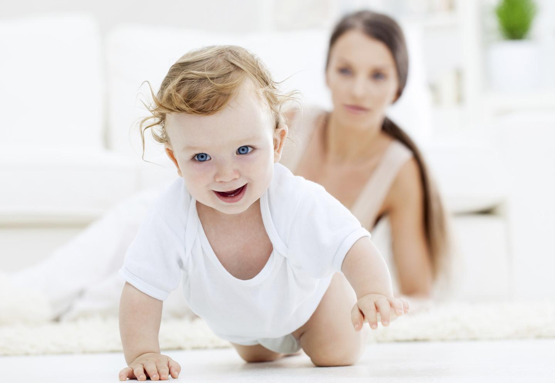 Ученые рассказали, почему женщины не стремятся рожать рано