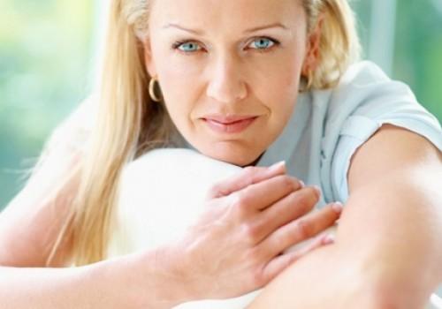 Возраст наступления менопаузы — важный ретроспективный маркер старения яичников