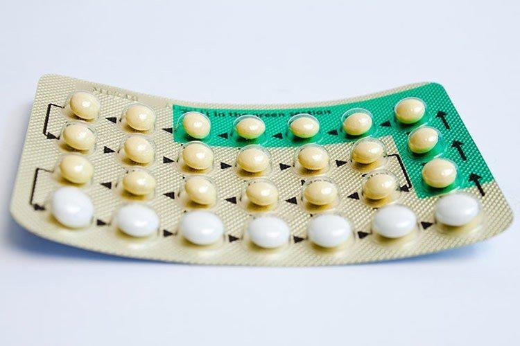 Противозачаточные средства снижают риск рака яичников и повышают риск рака молочной железы
