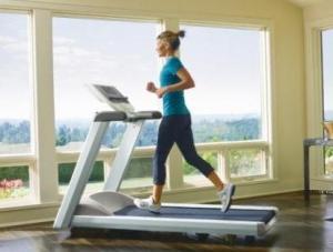 Бюстгалтер увеличивает грудь во время бега