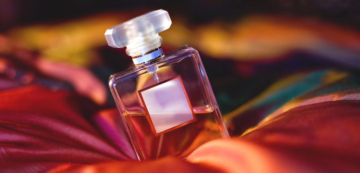 Купить духи недорого: основы выбора – рассказывает shop-glamour.ru