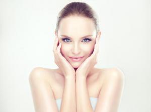 Недостаток влаги: причины и признаки обезвоженной кожи