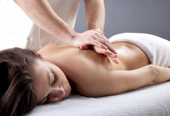 Мануальная терапия для лечения межпозвоночной грыжи в клинике Бобыря