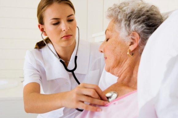Гормонотерапия у женщин и риск инсульта