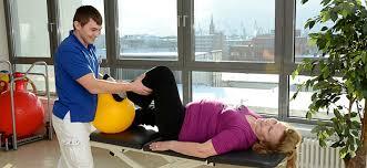 Упражнения при эндопротезировании тазобедренного сустава. Что нужно делать в домашних условиях?