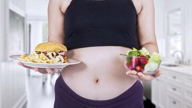 Ожирение матери приводит к чрезмерному росту плода