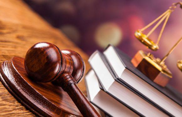 Адвокат по уголовным делам. Платный или государственный?