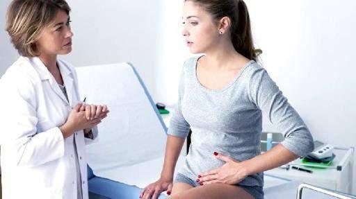 Медики напомнили о симптомах кист яичников