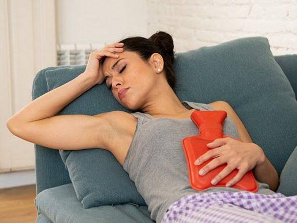 У долго спящих в выходные женщин более тяжелый ПМС