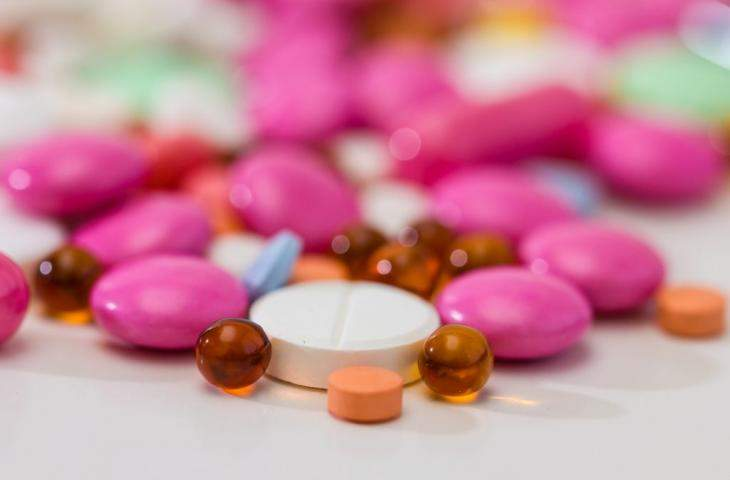 Названы главные плюсы и минусы гормонального лечения