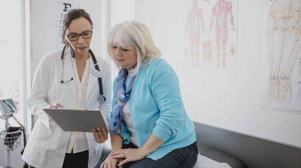 У женщин заболевания диагностируют позже, чем у мужчин