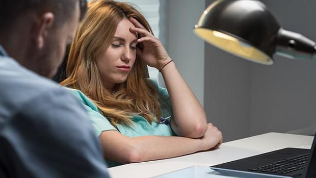 Работа по ночам может стать причиной возникновения ранней менопаузы у женщин