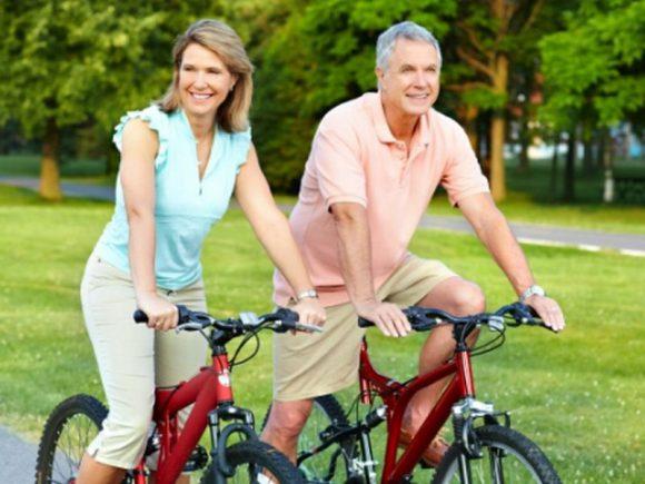 Велосипед помогает женщинам защититься от набора веса перед менопаузой