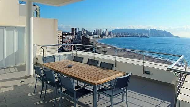 Элитная недвижимость на берегу моря в Барселоне: простота оформления сделки и подбора квартир