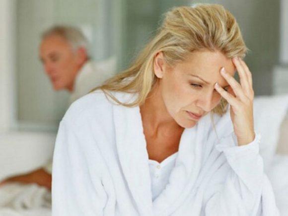 К перелому шейки бедра у женщин в постменопаузе могут приводить стрессы
