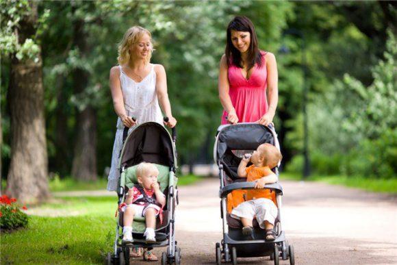 Какую детскую коляску выбрать для прогулки