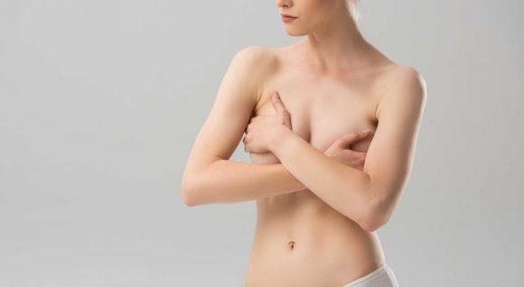 Болит грудь? 9 причин, почему это происходит