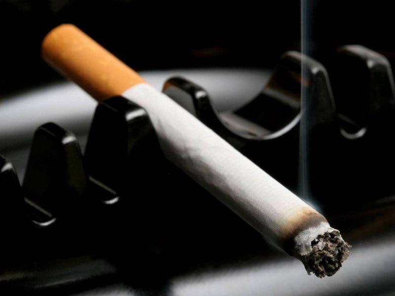 Курение может ускорять наступление менопаузы на несколько лет