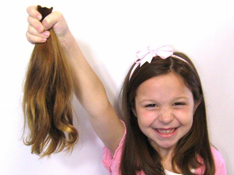 Большие гормональные изменения приводят к потере волос у детей