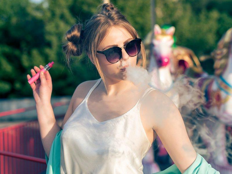 Электронные сигареты угрожают женской фертильности