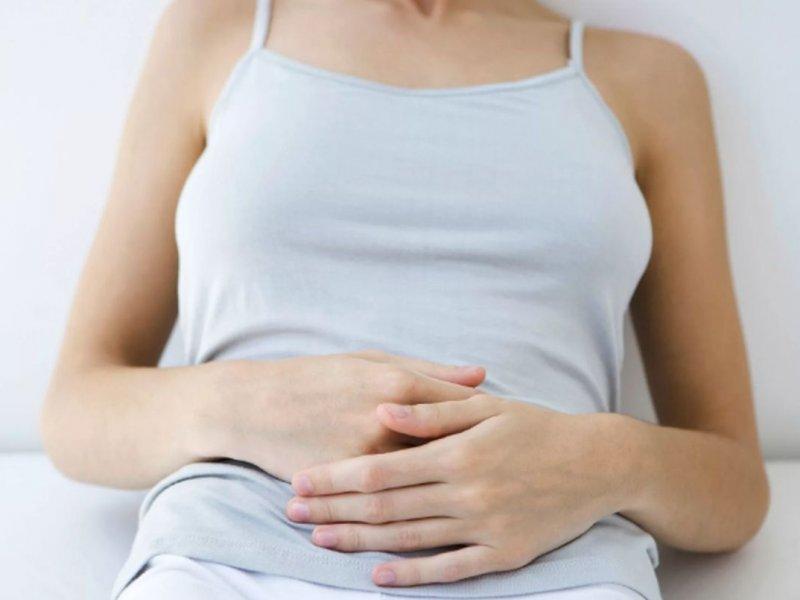 Киста яичника: 3 характерных симптома, и что можно сделать