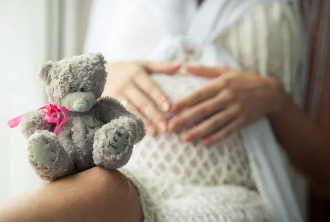 Медики назвали преимущества поздних родов