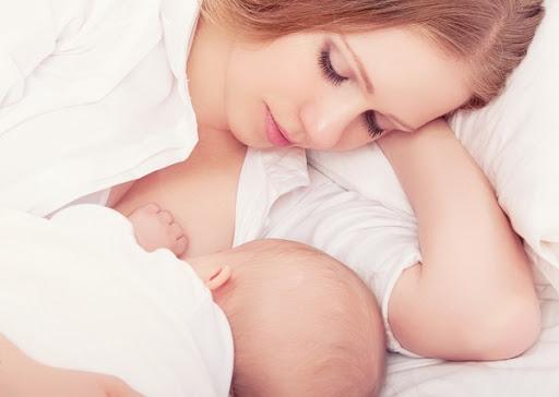 Ранняя менопауза не грозит многодетным женщинам, кормящим грудью