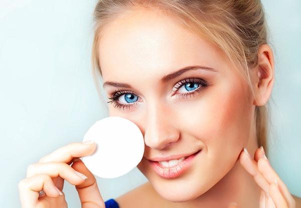 5 особенностей ухода за жирной кожей и волосами