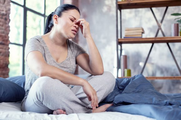 Исследование: когнитивно-поведенческая терапия помогает справиться с симптомами менопаузы