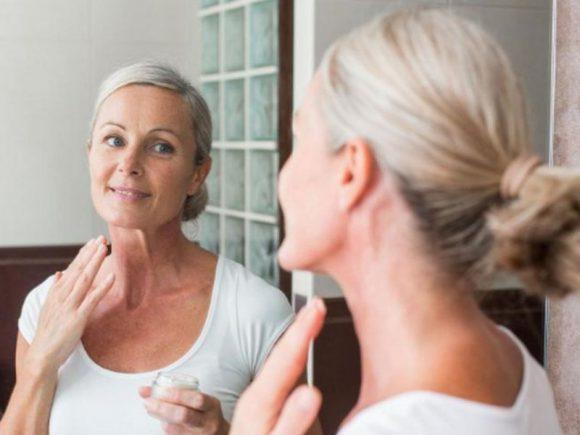 5 простых антивозрастных продуктов, которые делают кожу моложе