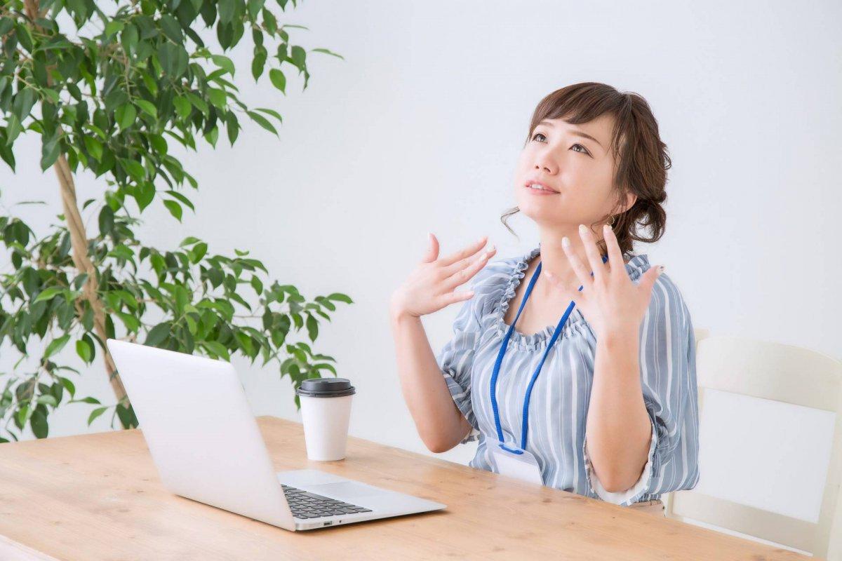 Приливы во время менопаузы: как женщине с ними справиться?