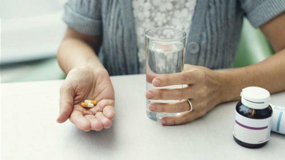 Названы группы лекарств, способствующие набору веса во время менопаузы
