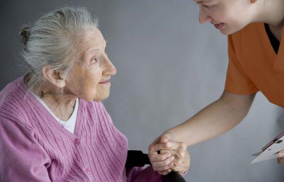 Отек легких у пожилых: симптомы, причины, лечение