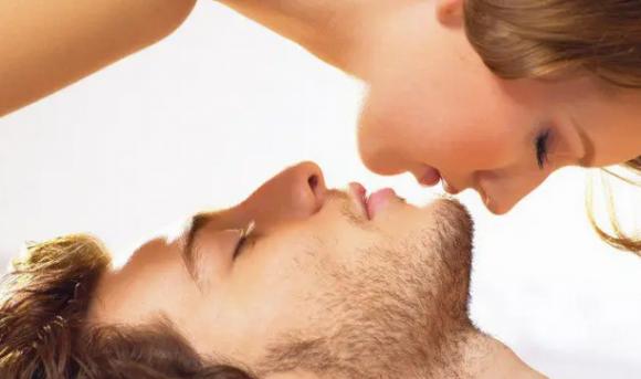 Гормоны и феромоны: как с возрастом не терять сексуальную привлекательность